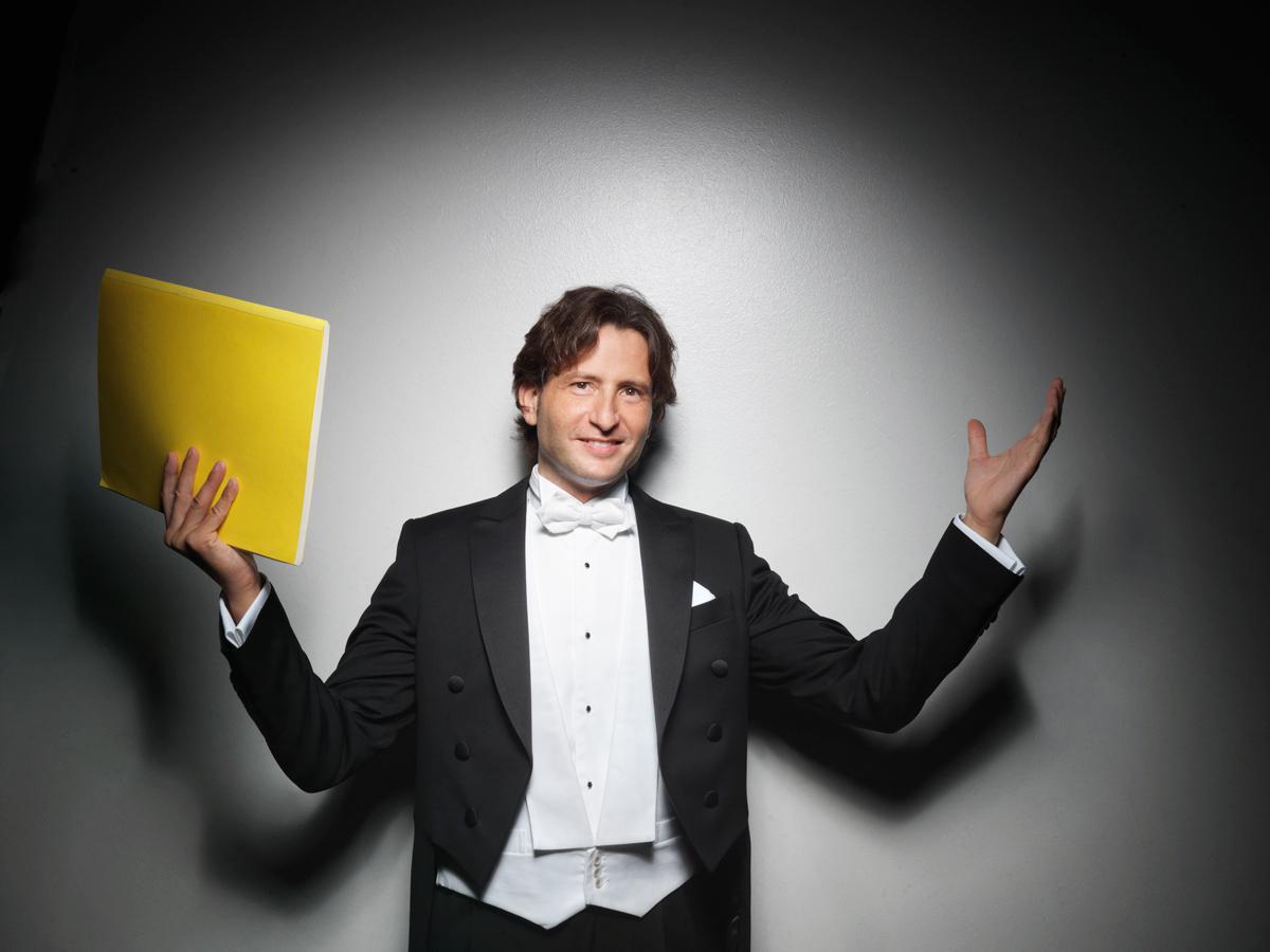 Gustavo Gimeno (Photo: Johann Sebastian Hänel)